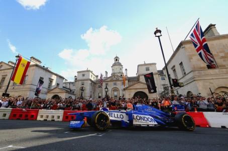 F1+Live+London+Takes+Over+Trafalgar+Square+49uJvvy4kQ3l