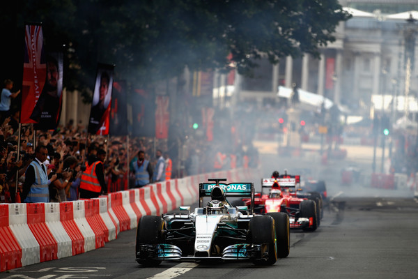 F1+Live+London+Takes+Over+Trafalgar+Square+6rS6Kb3608_l