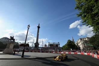F1+Live+London+Takes+Over+Trafalgar+Square+COu1LIpU08vl