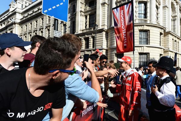 F1+Live+London+Takes+Over+Trafalgar+Square+E4dByTl9XVzl