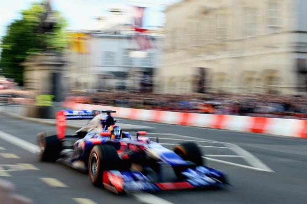 F1+Live+London+Takes+Over+Trafalgar+Square+eLMpNAQzlXQl
