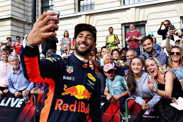 F1+Live+London+Takes+Over+Trafalgar+Square+gt-qnubbh7il