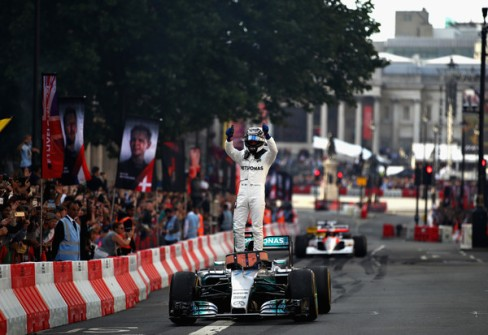 F1+Live+London+Takes+Over+Trafalgar+Square+HFMsaGDolzWl
