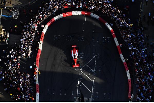 F1+Live+London+Takes+Over+Trafalgar+Square+Hno2VCsdOT3l