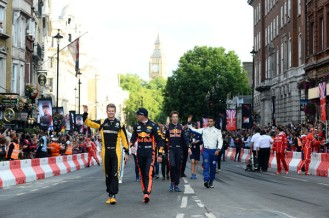 F1+Live+London+Takes+Over+Trafalgar+Square+IOSO3Pm6Rlxl