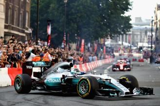 F1+Live+London+Takes+Over+Trafalgar+Square+iSjjZN45J1dl