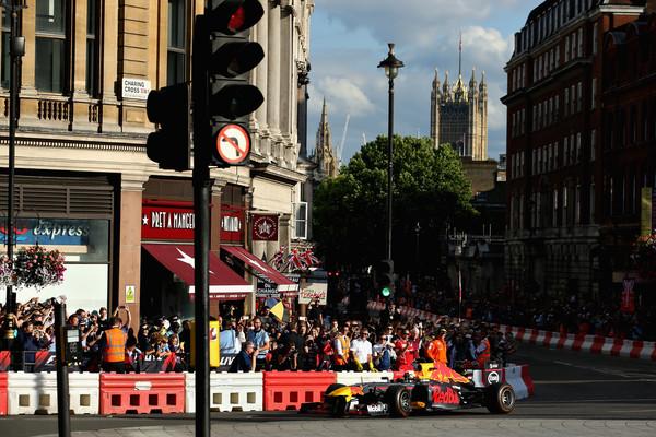 F1+Live+London+Takes+Over+Trafalgar+Square+KFve0Nz3PKxl