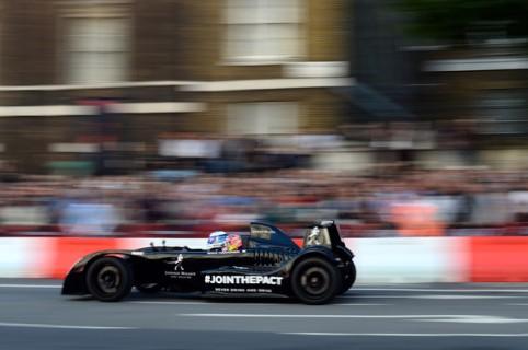 F1+Live+London+Takes+Over+Trafalgar+Square+pPFjiX3ydDel