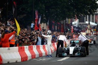 F1+Live+London+Takes+Over+Trafalgar+Square+PXHAxF26dp9l
