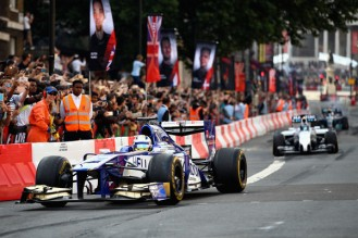 F1+Live+London+Takes+Over+Trafalgar+Square+SmYKPRIoVQQl