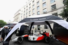 F1+Live+London+Takes+Over+Trafalgar+Square+ThhtJJacZlel