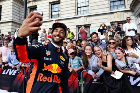 F1+Live+London+Takes+Over+Trafalgar+Square+txPTYXpbcp-l