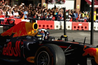 F1+Live+London+Takes+Over+Trafalgar+Square+y35PcU2RCf2l