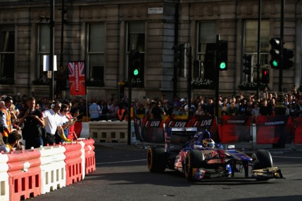 F1+Live+London+Takes+Over+Trafalgar+Square+YJGV1OPFM2kl