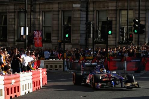 F1+Live+London+Takes+Over+Trafalgar+Square+YJGV1OPFM2kl